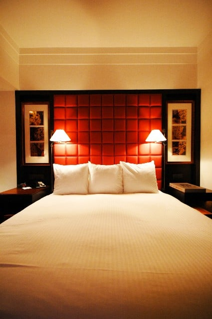 Choose king size headboards to update your bedrooms with - King size headboard ideas ...