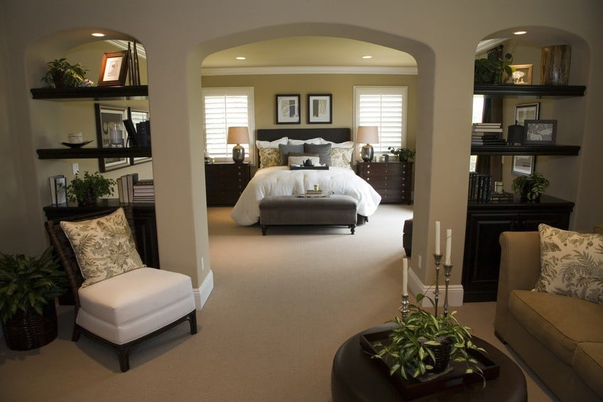 Master bedroom decorating ideas incorporating function for Big master bedroom design